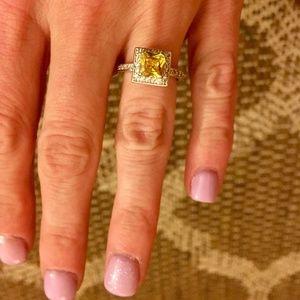 Jewelry - .925 Sterling Silver Ring w/ Swarovski Crystals